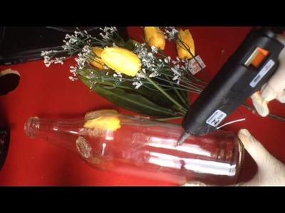 D.I.Y Decorando garrafas de vidro com cola quente