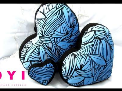 DIY Almofada formato de coração dia dos namorados | Poly Gonçalves