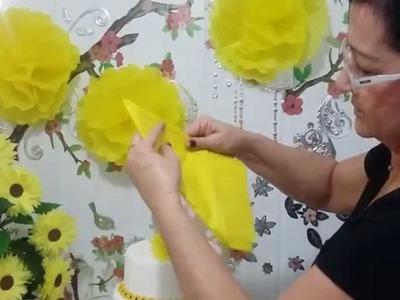 Aula 26 - Mesa Amarela(2.3) Como fazer flores gigantes de papel de seda - Artesanato