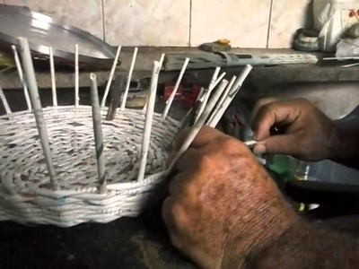 Como fazer a cesta de jornal artesanal pt1