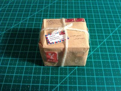 DIY - Como fazer uma mini caixa de encomenda para bonecas