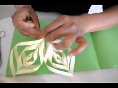 Como fazer uma flor de natal de papel