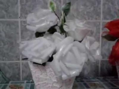Flores de copos descartaveis