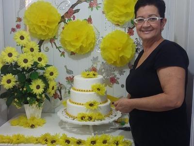 Aula 25 - Mesa Amarela(1.3) Como fazer arranjo de flores de papel crepom (Margarida) - Artesanato