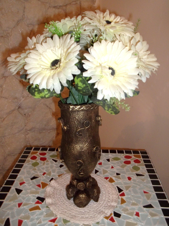 Artesanato - Vaso ou centro de mesa feito com garrafa pet