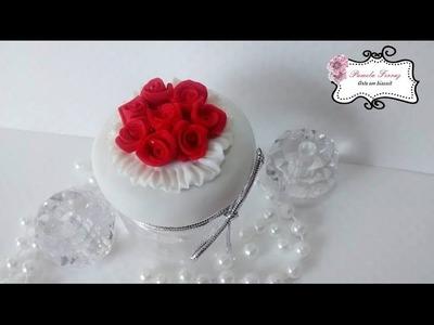 Lembrança de biscuit para casamento