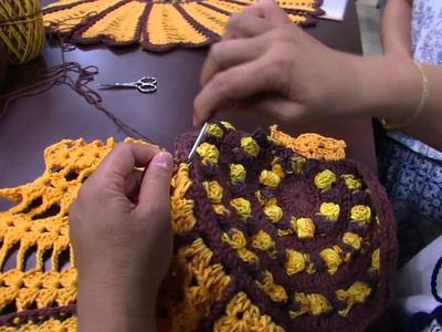 Mulher.com - 16.12.2015 - Toalha de mesa em formato de flor - Cristina Luriko PT2
