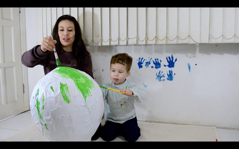 Pinhata  Como Fazer Pinhata Super Fácil  Artesanato para Crianças  Piñata How to Make a Pinata