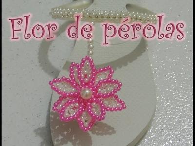 Chinelo decorado - flor de pérolas e strass