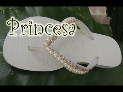 Chinelo decorado - Manta de strass e pérola