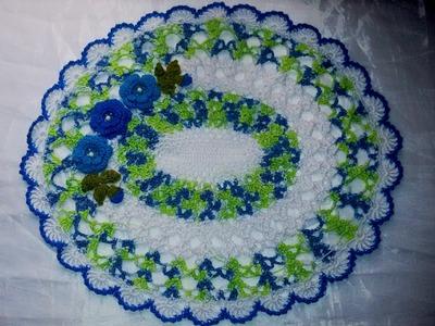 DIY - Centrinho  oval com flores de crochê