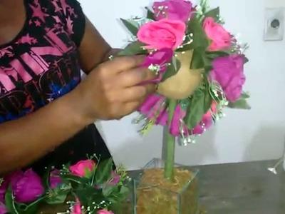 Como fazer topiaria com flor artificial e argila.