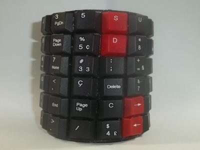 DO LIXO AO LUXO Porta Treco feito com teclado