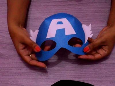 Máscara do Capitão America feita de papel cartão