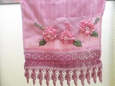 Flores Bordadas com Fitas de Cetim- Embroidered with satin ribbons