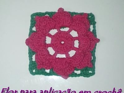 Flor para aplicação em crochê