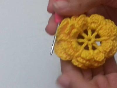 Flor para aplicações em croche