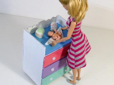 Cômoda com Trocador para Bebê da Barbie DIY (papelão)
