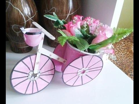Reciclagem,#Triciclo feito com CD, #Palito,e #Pote de sorvete