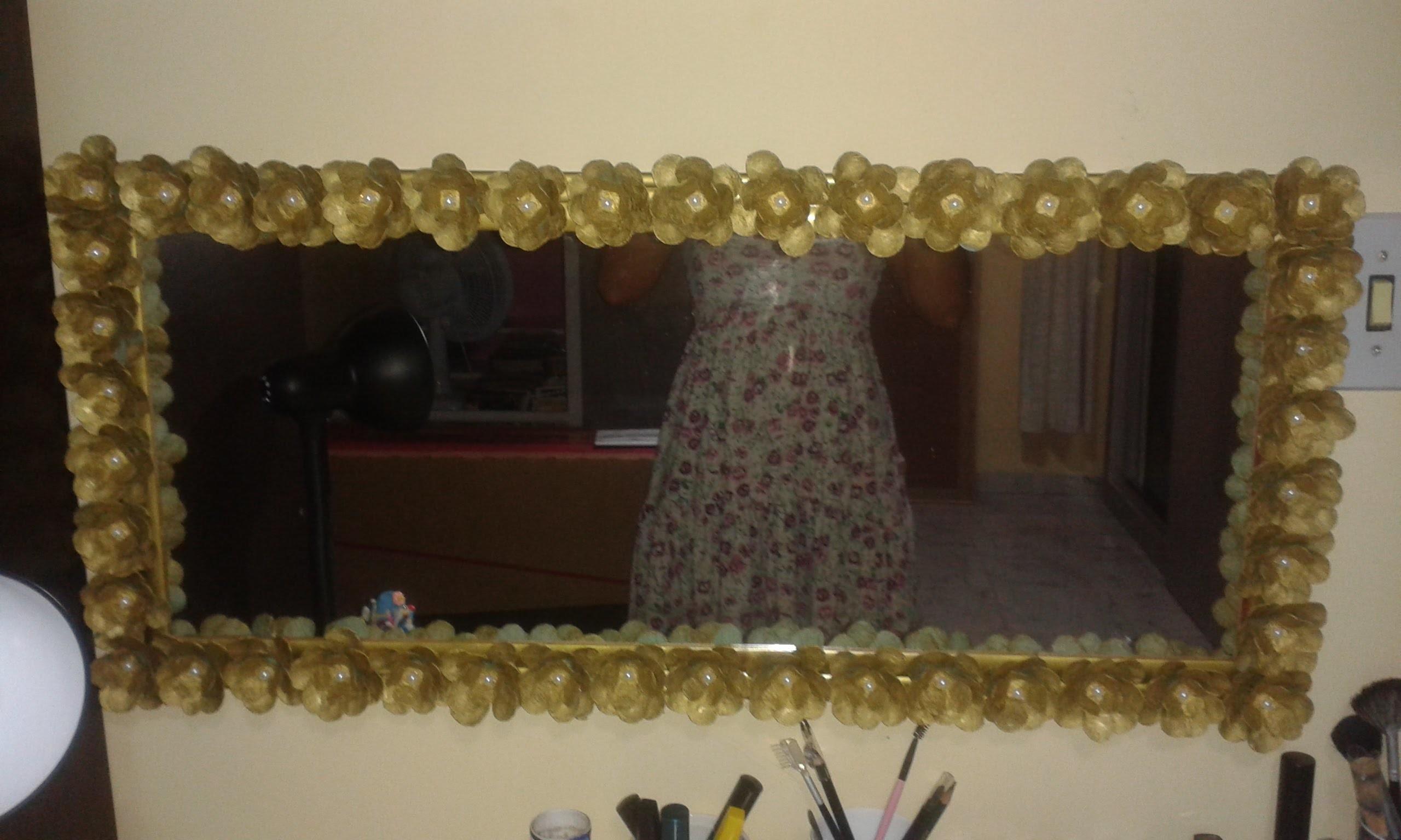 DIY-moldura de espelho com flor de caixa de ovo-passo a passo