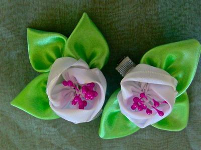 HOW TO MAKE ROLLED RIBBON ROSES- fabric flowers-Flor  de fitas   com pistilhos   Passo a Passo