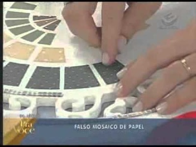 Falso mosaico de papel. Ione Borges e Carol Guaraldo