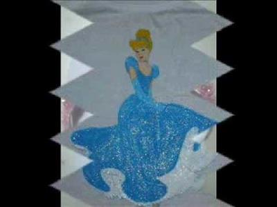 Pinturas em tecidos e chinelos bordados