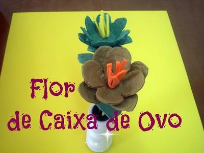 Flor de Caixa de Ovo com Cabinho