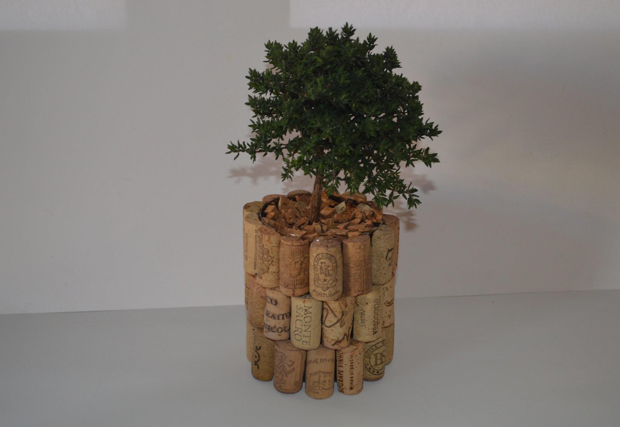 Como Hacer una maceta con tampones de corcho - How to Make a pot with stoppers cork