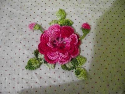 Flor de croche com folhas para aplique parte 1