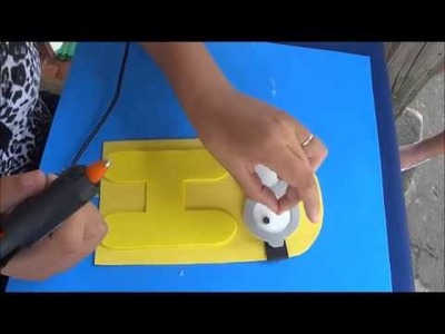 Preparativo para festa de # Dos Minions # (1) Painel dos minions com nome.