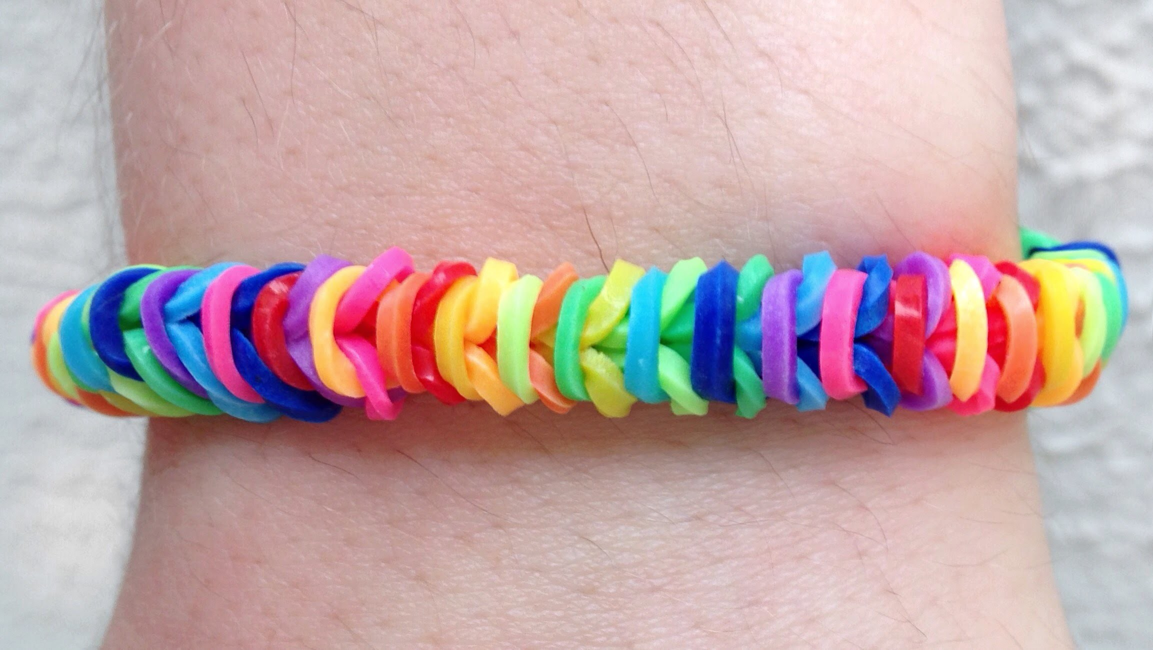 Como fazer pulseiras de elástico: Tight Rope Armband #LoomBands (sem tear)
