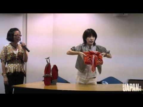 Aprenda a fazer um embrulho para presente de furoshiki