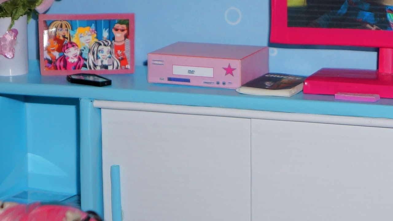 Como fazer DVD Player para boneca Monster High, Barbie, etc