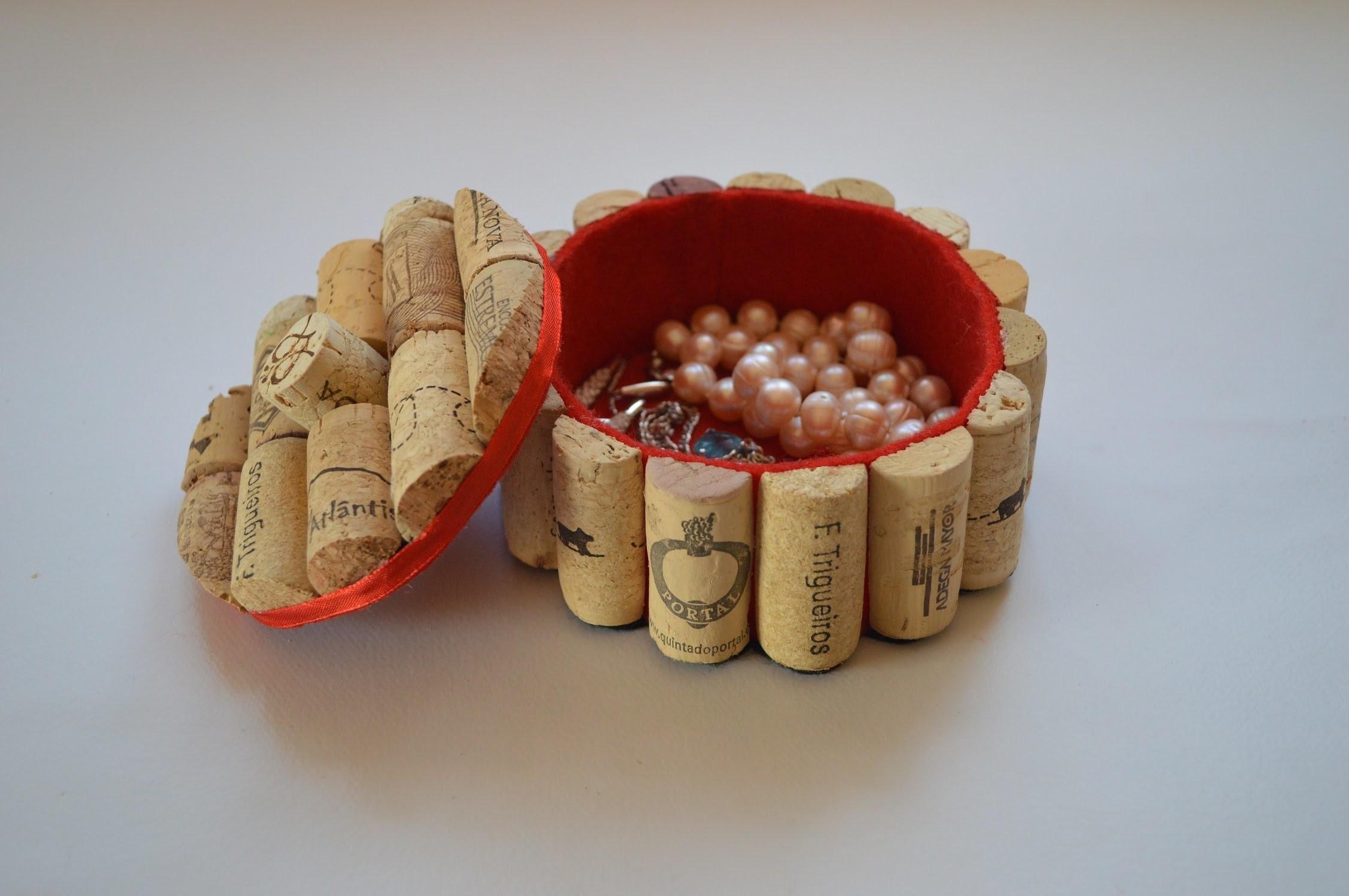 Como hacer un joyero con tapones de corcho - How to make a jewelry box with corks