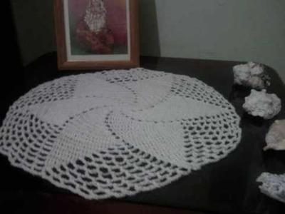 Artesanatos: ( toalhas em crochê, bicos em panos, bolsas, etc. )