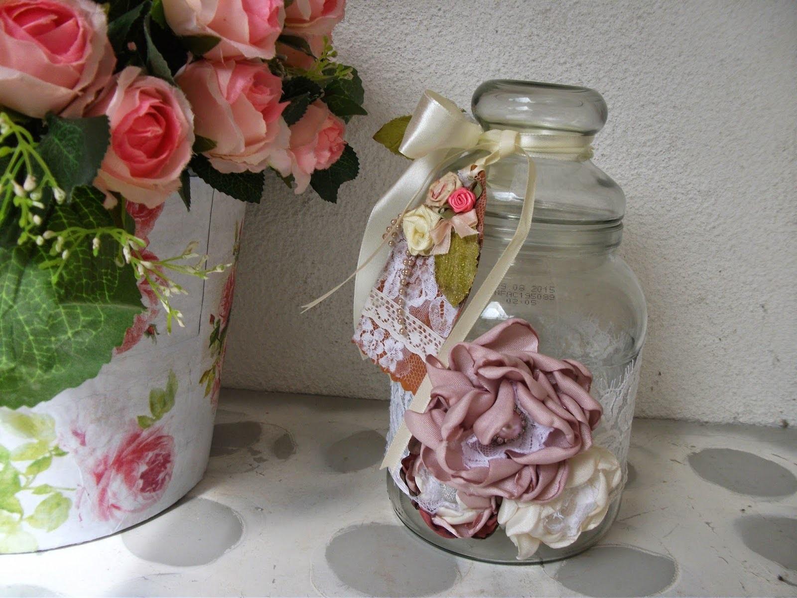 DIY: Faça voce mesma uma linda decoração vintage no frasco de vidro
