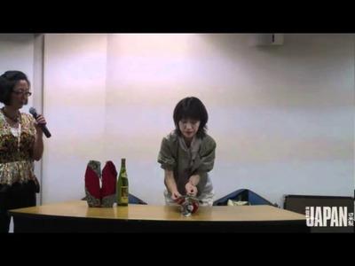 Aprenda a fazer um embrulho para garrafa de furoshiki