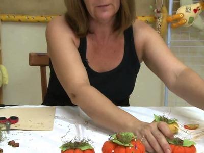 Mulher.com 10.02.2014 - Enfeite de moranga para cozinha - Carmen Silvia