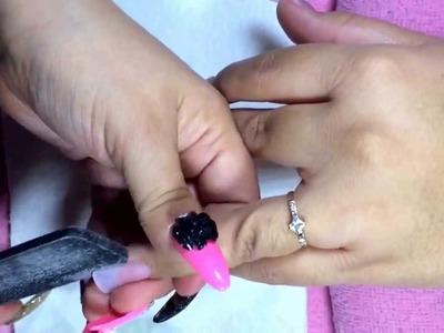 Uñas de acrilico con esmalte
