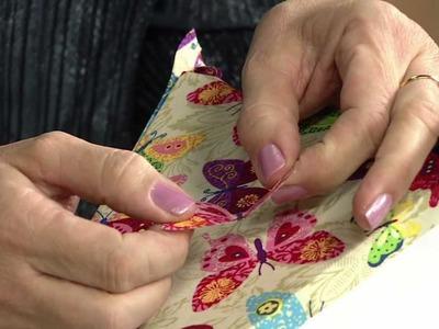 Veja como personalizar um abajur com borboletas de tecido em relevo!