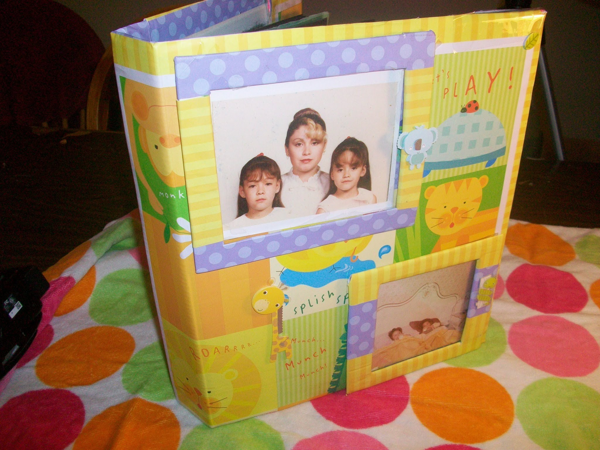 Manualidad reciclaje: Forro y decoracion de album o carpeta.