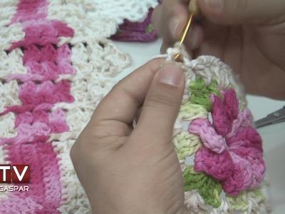 Curso ensina senhoras a produzir peças de crochê