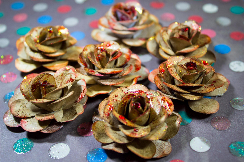 DIY - Como fazer Flores de papel p. Scrapbook com Papel Kraft
