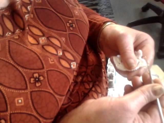 Estrella para un cojin redondo  en ganchillo by Virtudes Pelegrina (Mecina Bombarón)
