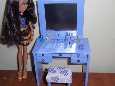 Como fazer uma penteadeira & escrivaninha para boneca Monster High, Pullip, Barbie e etc