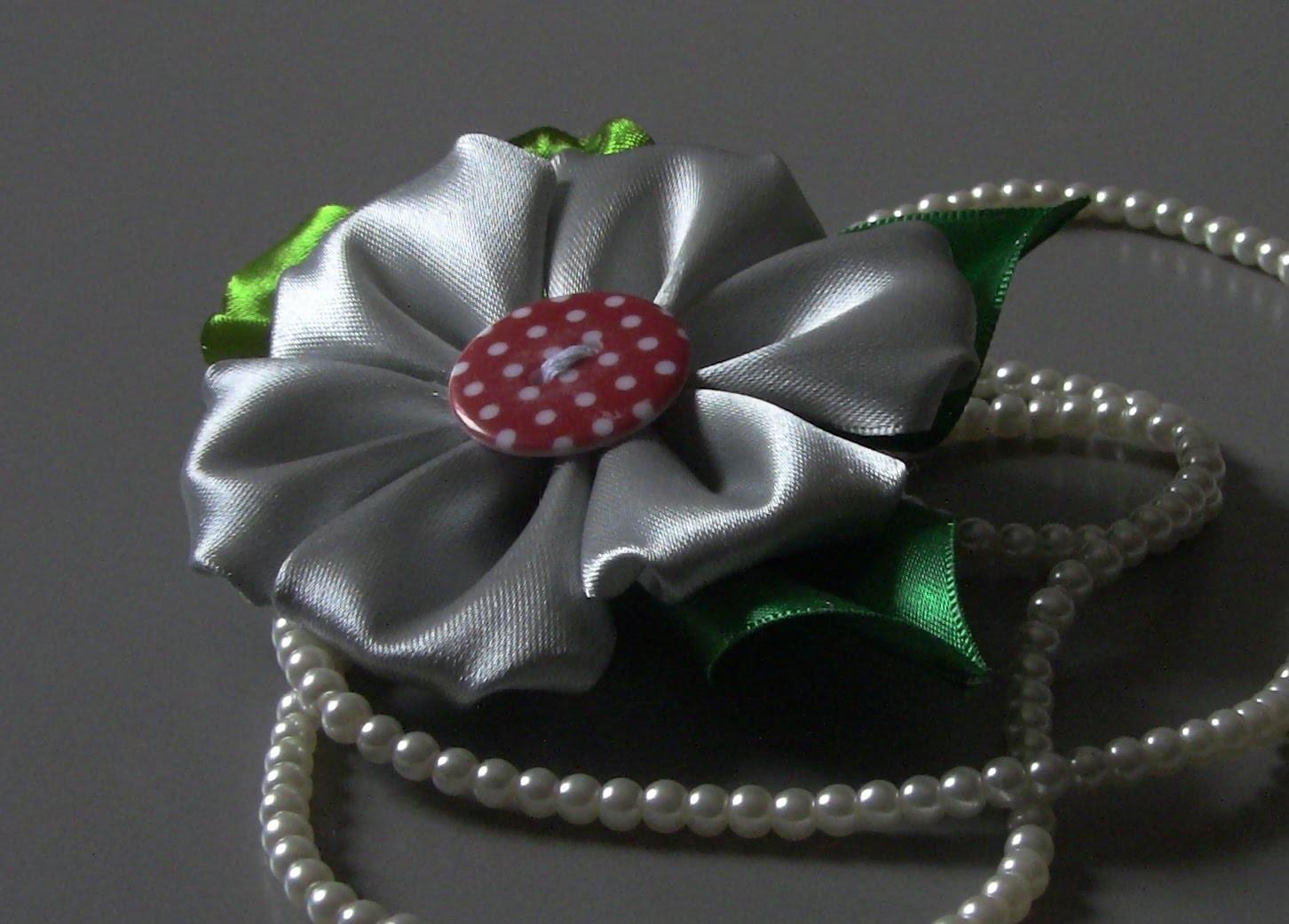 D.I.Y  Novo modelo de Flor de fita de cetim e flolhagem