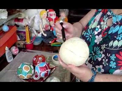 Artesanato em Papel Mache (Handcrafts) - Bolas Decorativas
