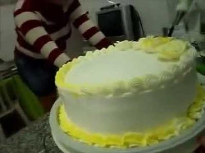Bolo de aniversário confeitando (Passo a Passo)