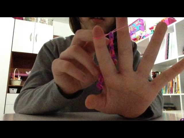Como fazer um anel de dois dedos com elásticos Rainbow Loom